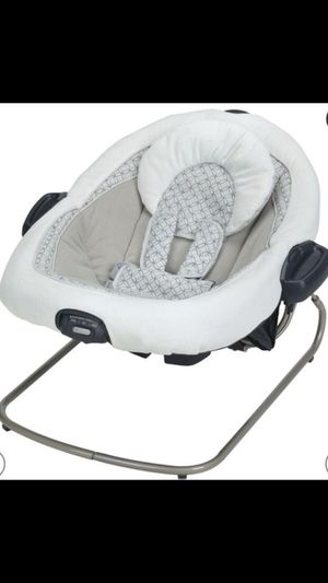 Graco swing and Cosco car seat/base for Sale in Miramar, FL