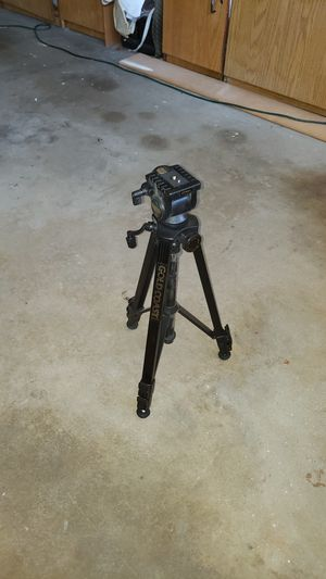 Gold Coast GT -400x photo/video tripod for Sale in Irvine, CA