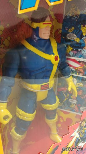 "X-MEN ""CYCLOPS"" 10 inch figure by Toy Biz for Sale in Queens, NY"