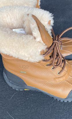 Ladies Ugg Boots Waterproof for Sale in Marietta,  GA