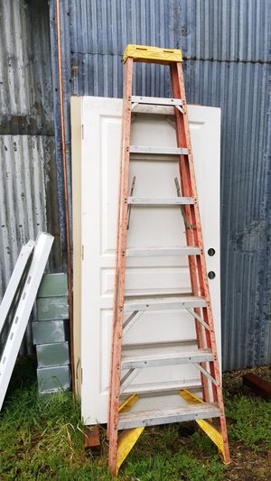 8ft fiberglass ladder for Sale in Lodi, CA