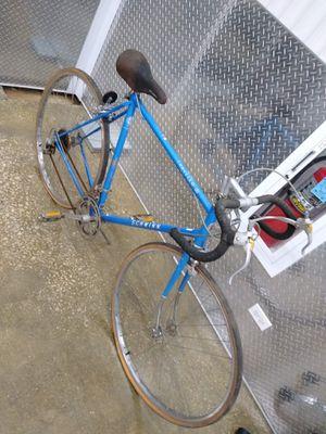 Schwinn Traveler III touring road bike for Sale in Bloomingdale, IL