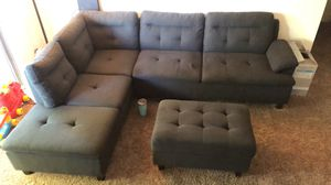 Sectional w/ ottoman for Sale in Fresno, CA