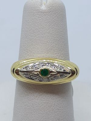 18k yellow gold emerald and diamond ring 6.6 grams size 6 for Sale in Fort Pierce, FL