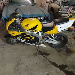 1999 CBR 900RR for Sale in Cleveland, OH