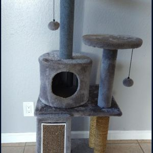 Cat condo for Sale in Salinas, CA