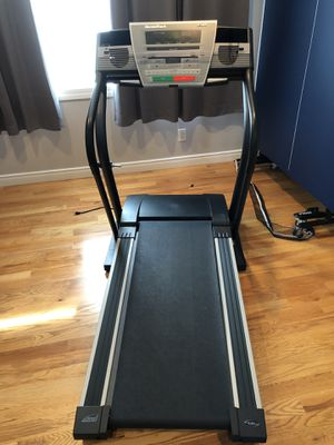 NordicTrack Treadmill C1900 for Sale in Fair Lawn, NJ