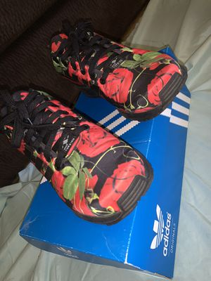 Adidas ZX FLUX size 8 women's for Sale in Orosi, CA