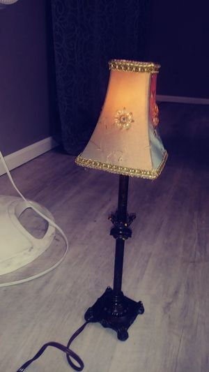 LAMP W/BEADED LAMP SHADE for Sale in Batavia, IL