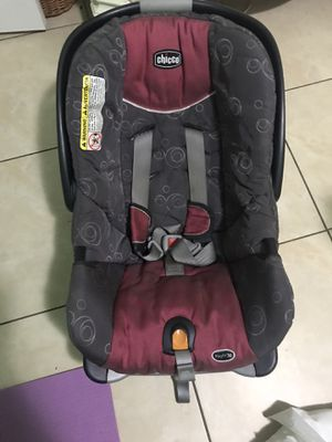 Chicco car seat . for Sale in Pembroke Pines, FL