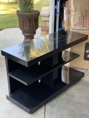 TV stand or Sideboard for Sale in Fresno, CA