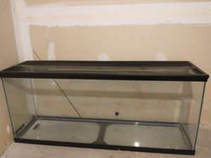 50 Gallon Reptile tank with lid for Sale in Crofton, MD