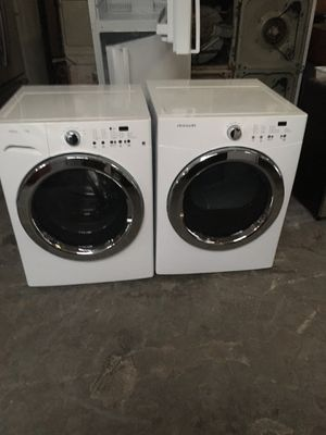 Set washer and dryer brand Frigidaire electric dryer everything is good working condition 90 days warranty delivery and installation for Sale in San Leandro, CA