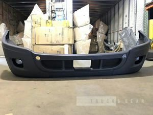 Freightliner Cascadia front Bumper W/Holes WO/Chrome for Sale in West Valley City, UT
