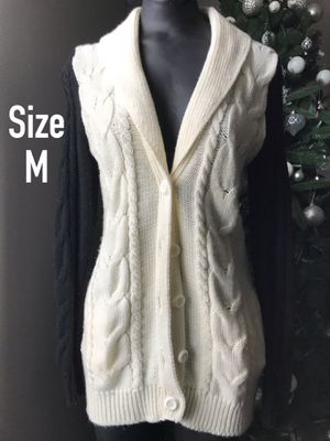 Juniors Black White 🔲 Cable Knit Button Cardigan Sweater Size Medium Forever 21 F21 for Sale in Palmdale, CA
