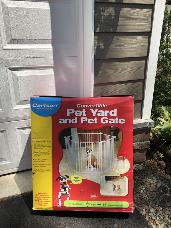 Carlson Pet Yard and Convertible Pet Gate