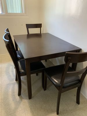 Kitchen/ Dining rm table w/ 4 chairs for Sale in Inglewood, CA