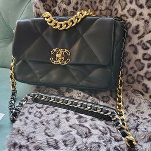 Black 19 Flap Bag, Purse, Shoulder Bag for Sale in Los Angeles, CA