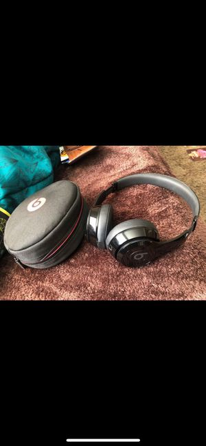 Beats solo 3 wireless black for Sale in Columbus, OH