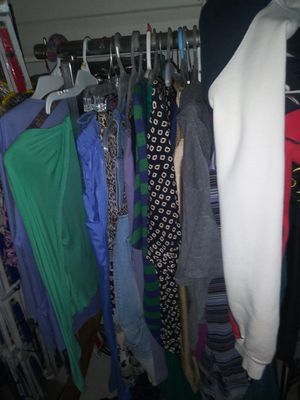 9000 free clothes everyone get 1 for Sale in Lake Worth, FL