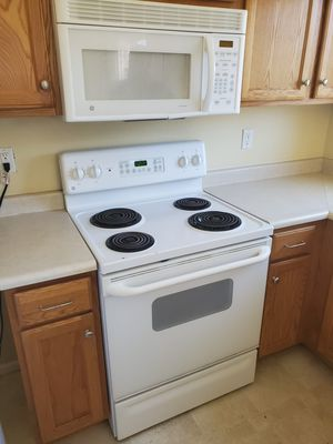 Kenmore electric stove, Kenmore dishwasher, GE microwave for Sale in Fountain, CO
