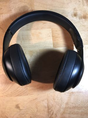 Beats By Dre Studio 3 Wireless Headphones for Sale in Brownsville, TX