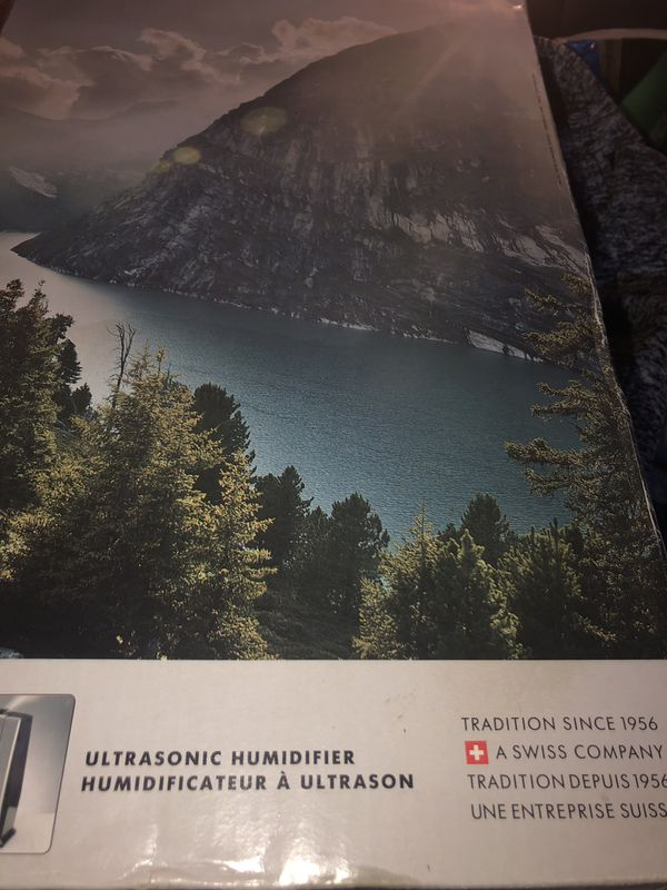 BRAND NEW NEVER USED BONECO AIR O SWISS HUMIDIFIER COST $125-$55=$70