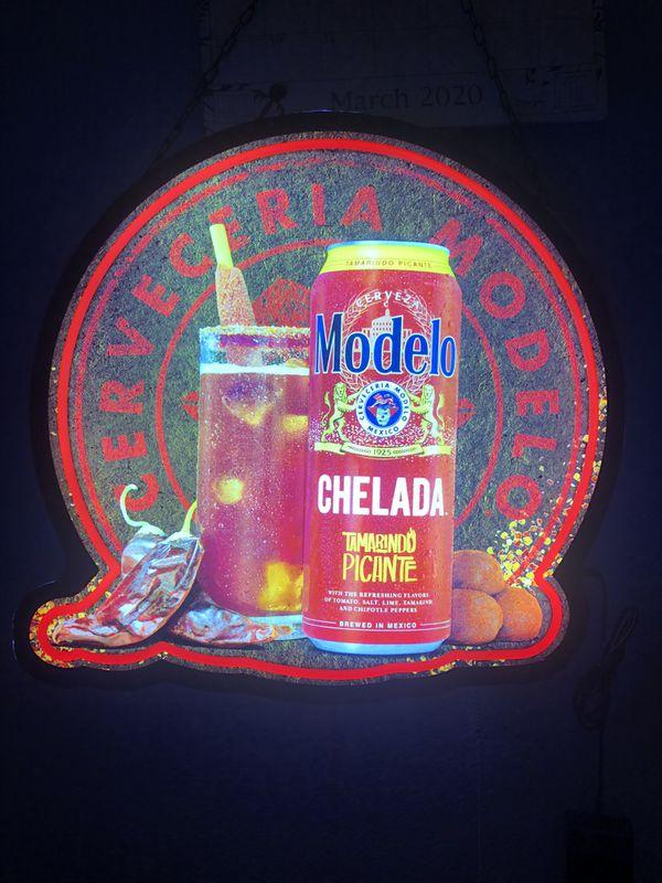 Modelo Chelada tamarindo picante neon sign
