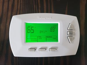 Honeywell Digital Thermostat for Sale in Portland, OR