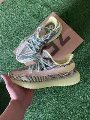 Adidas Yeezy size 8.6 & 9 for Sale in Fontana, CA