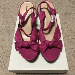 Women's Size 11W Pink Heels from Avenue New in Box for Sale in Sanger, CA