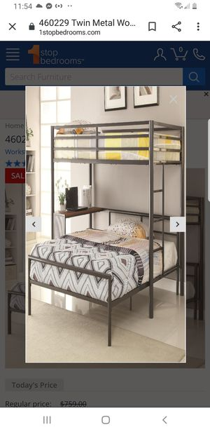 Black metal bunk bed with desk for Sale in Queens, NY