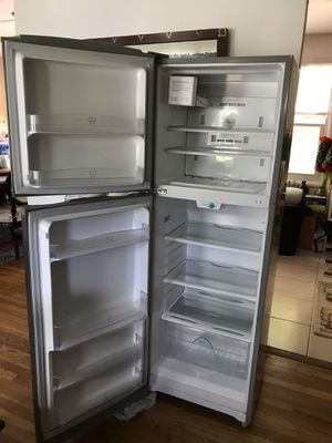 """Summit Refrigerator 68.5"""" H x 23.0"""" W x 22.0"""" D for Sale in Silver Spring, MD"""