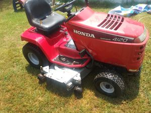 Honda 48 cut ride mower for sale for Sale in Whitehouse, TX
