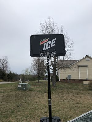 Basket Ball hoop for Sale in Willow Spring, NC