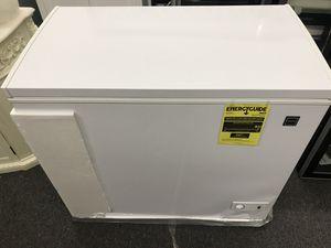 Frigidaire mini fridge 7.1 cu ft for Sale in Atlanta, GA