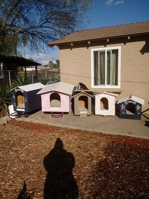 Dog houses for sale. for Sale in Moreno Valley, CA