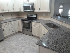 Kitchen and bathroom counter tops!! for Sale in Lakeland, FL