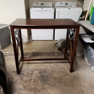 High Top Table With 2 Stools for Sale in Glendale, AZ