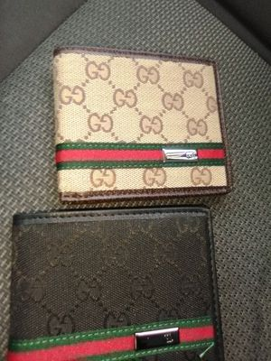 Gucci wallet for Sale in Kissimmee, FL