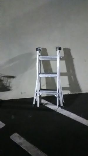 13 ft Werner telescoping ladder 300lbs for Sale in Albuquerque, NM