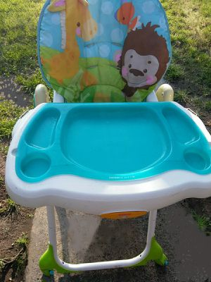 !! Baby High chair for Sale in San Fernando, CA