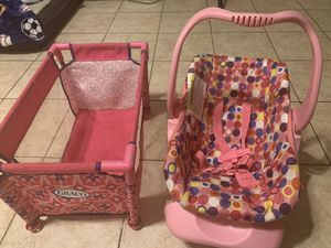 Doll crib and car seat set for Sale in Round Rock, TX