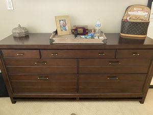 Dresser, nightstand and lamp for Sale in Riviera Beach, FL