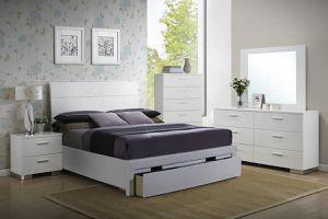 4PCs Queen Bedroom Set 🛏🎈(Bed, Nightstand, Dresser, And Mirror) for Sale in Fresno, CA