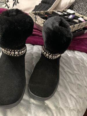 Size 6 New boots very cute for Sale in San Diego, CA