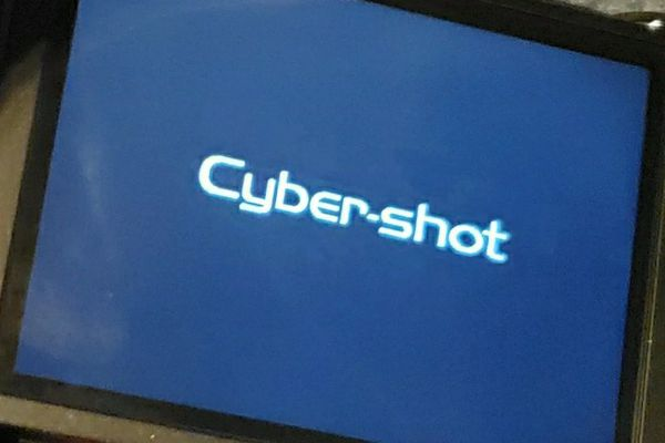 Sony cybershot 14.1 mega pixel Camera Lot