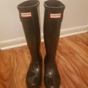 HUNTER TALL GLOSS GREY RAIN BOOT for Sale in Philadelphia, PA