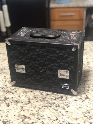 Professional style makeup box/ travel organizer for Sale in SeaTac, WA