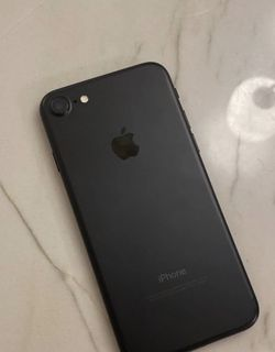 Like New iPhone 7 32 GB Factory Unlocked for Sale in Winter Park,  FL